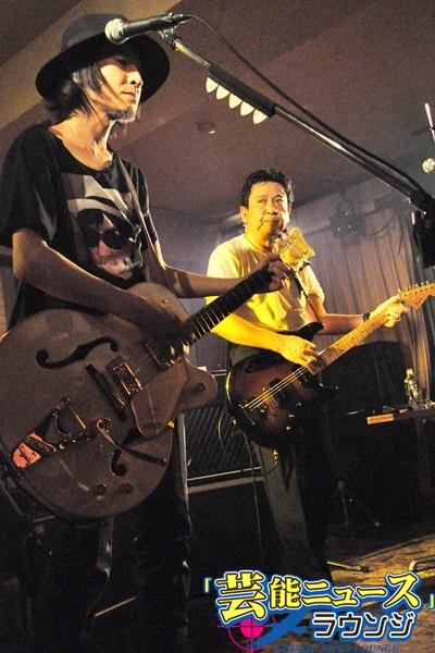 大江慎也ソロライブにチバユウスケがゲスト出演!ルースターズの名曲など披露