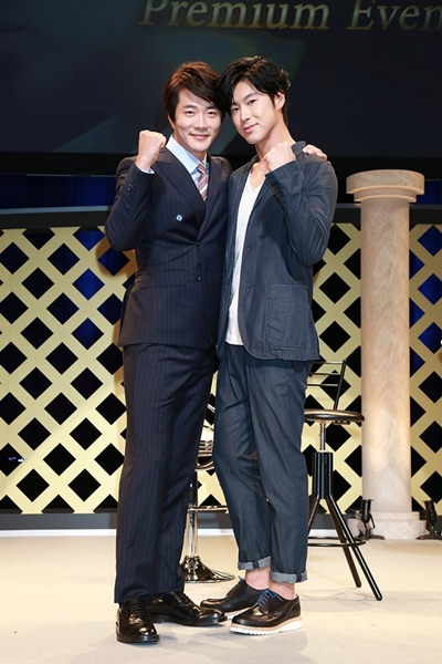 クォン・サンウ&ユンホ(東方神起)『野王』イベントで兄弟のような絆アピール!
