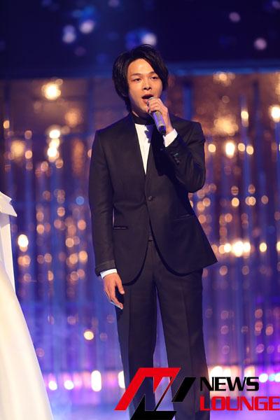 中村倫也 黒のタキシードのような本番衣装で紅白リハ!木下晴香と伸びやかな歌唱も